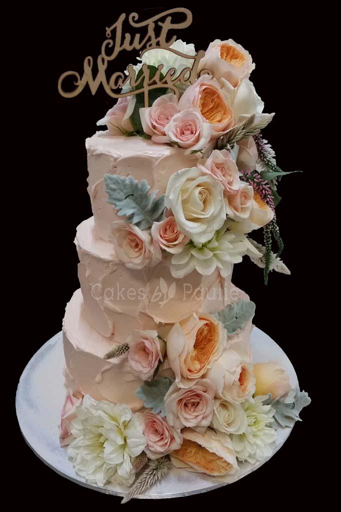 Wedding Cake – Oshini