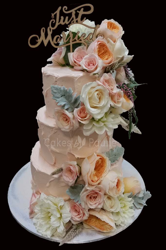 Wedding Cake – Oshini